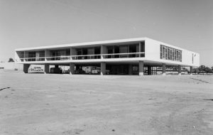 ANTES ARTE DO QUE TARDE: O MUSEU DE ARTE DE BRASÍLIA DESDE O ANEXO DO BRASÍLIA PALACE HOTEL