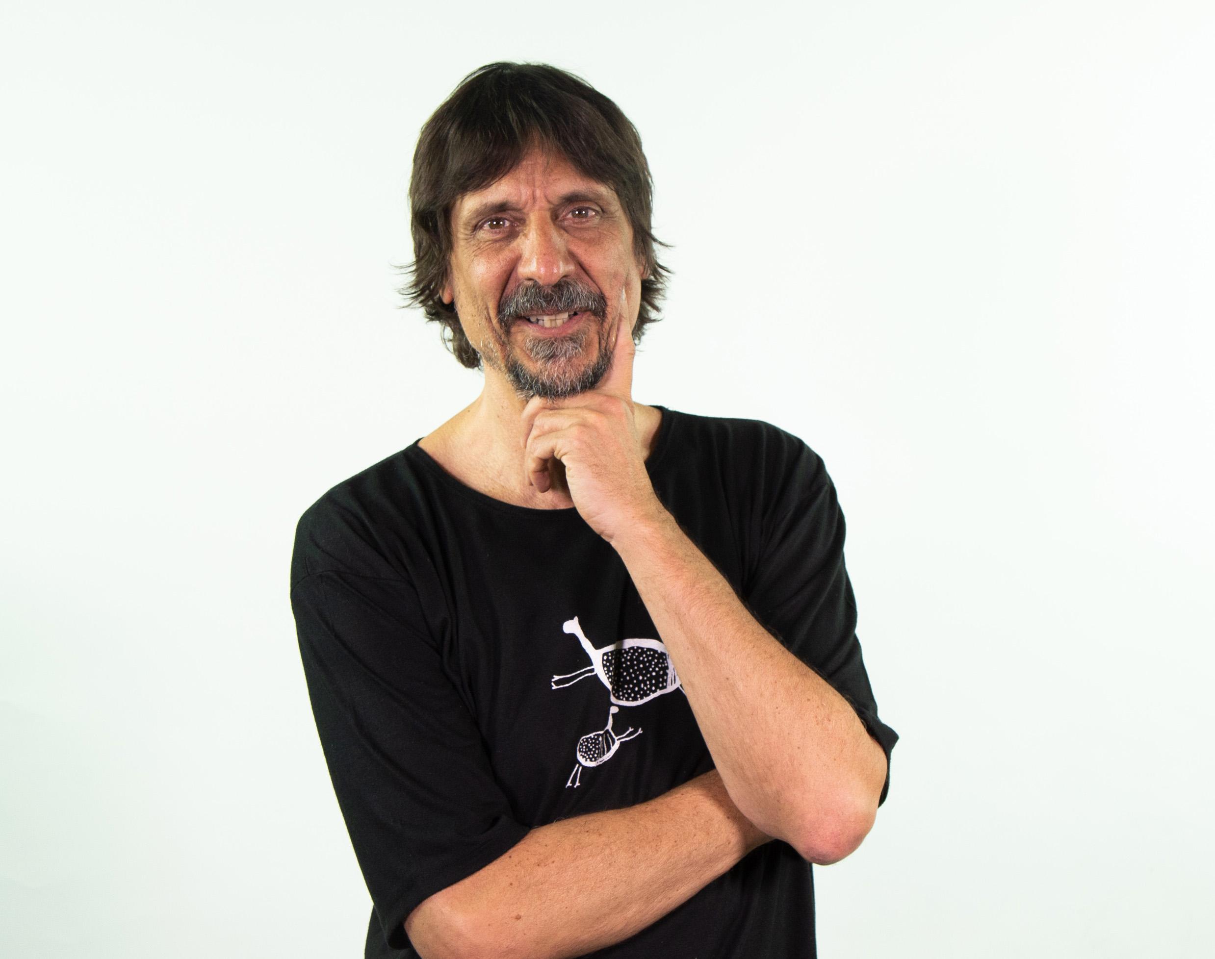 O bom humor e o senso crítico de Eduardo Bueno no encerramento da série que refletiu sobre o Brasil