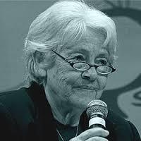 A poetisa Adélia Prado será homenageada na III Bienal
