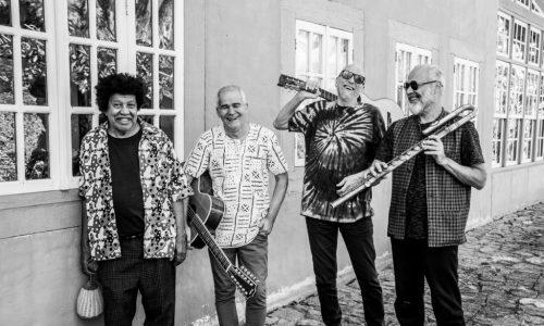 """CAIXA Cultural Brasília traz o show """"Duo+Dois = Música Pura Brasileira"""""""