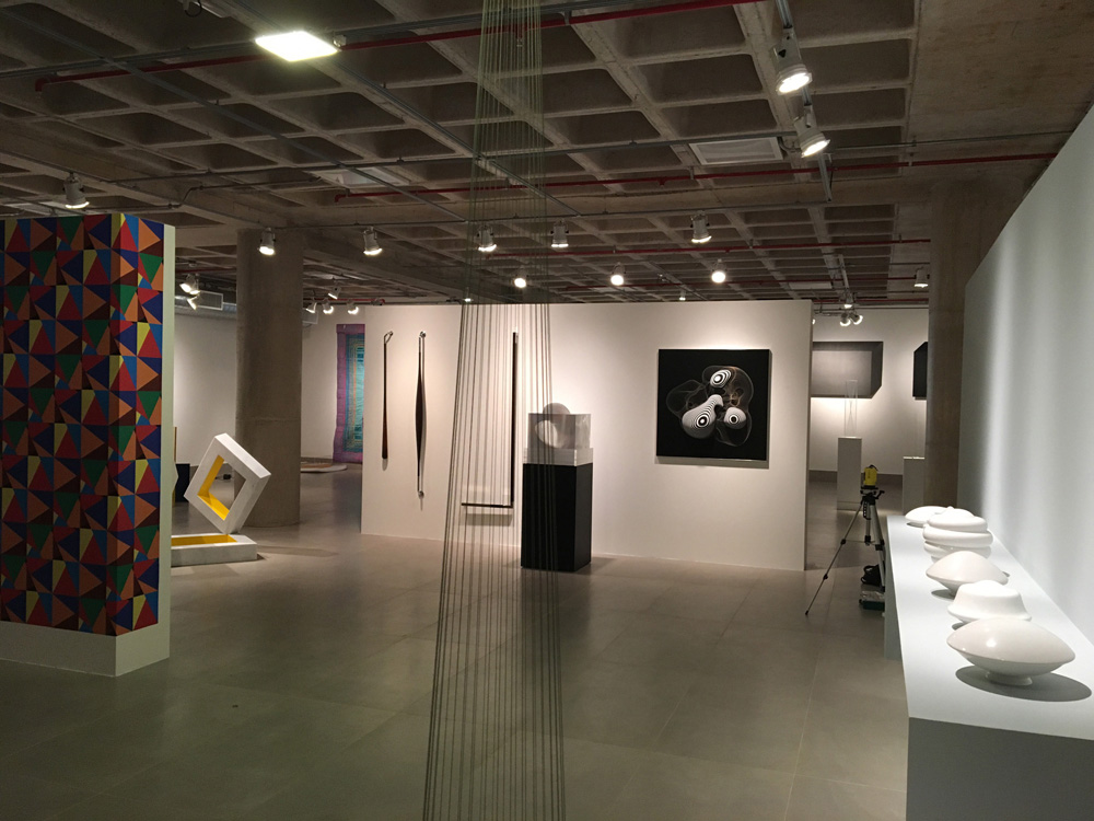 Alunos especiais visitam a exposição no TCU